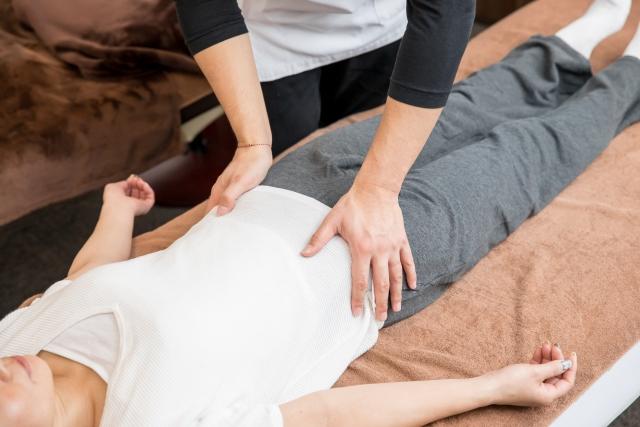 筋肉や靭帯に直接アプローチする鍼治療